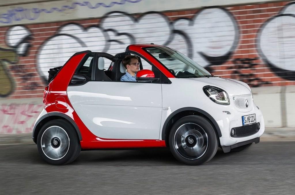 smart cabrio smart fortwo cabrio neu auf der iaa 2015 smart roadster smart cabrio brabus. Black Bedroom Furniture Sets. Home Design Ideas
