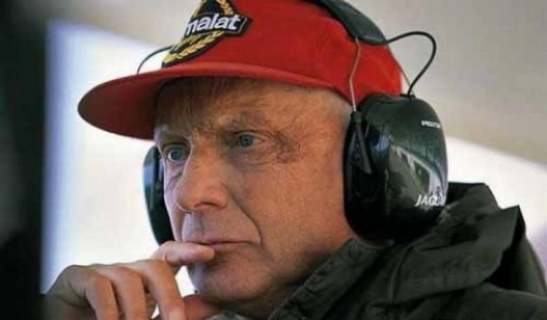 149e9183efd2b Lauda luce la gorra más cara del mundo - Motor.es