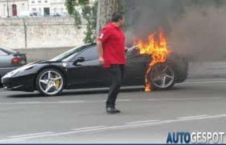 Ferrari llama a revisión a las 458 Italia.