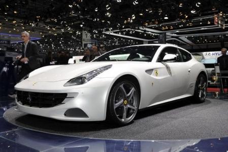Reservada la producción del Ferrari FF y el Lamborghini Aventador a un año vista