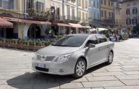 Toyota llama a revisión a 1.7 millones de vehículos