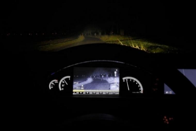 Nuevo Sistema De Visi 243 N Nocturna De Mercedes Benz Motor Es
