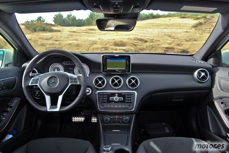 Conducimos el nuevo mercedes clase a en su presentaci n for Interior mercedes clase a