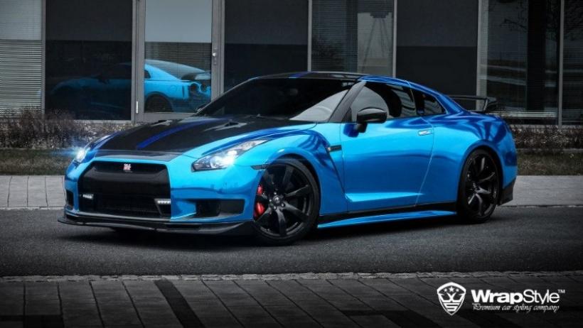 Nissan GT-R por WrapStyle: 1.000 CV vestidos de cromo azul ...