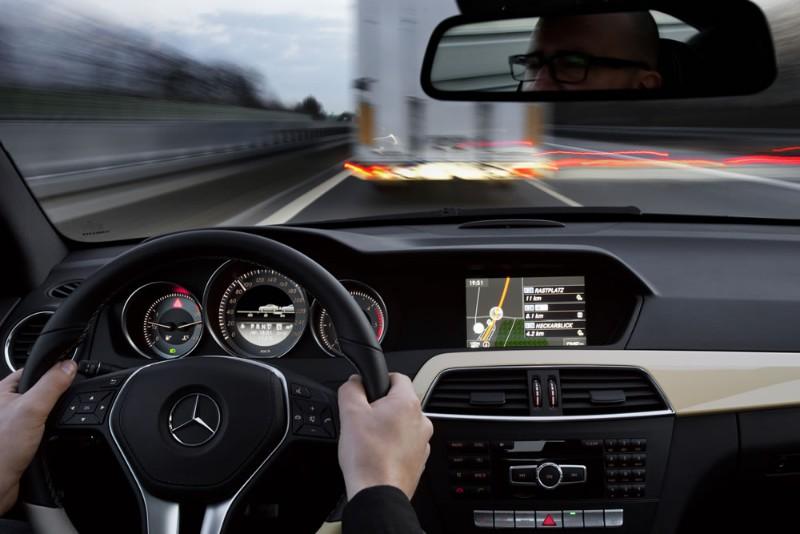 Mercedes benz apuesta por las google glass for Okay google mercedes benz