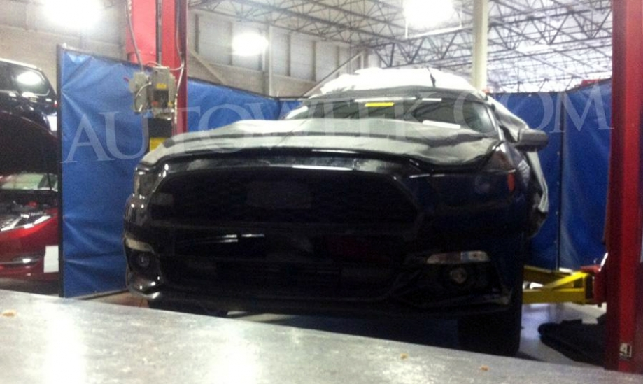 El Ford Mustang 2015 asoma el morro
