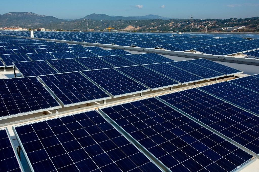 Seat inaugura en martorell su proyecto mediambiental con - Placas solares barcelona ...