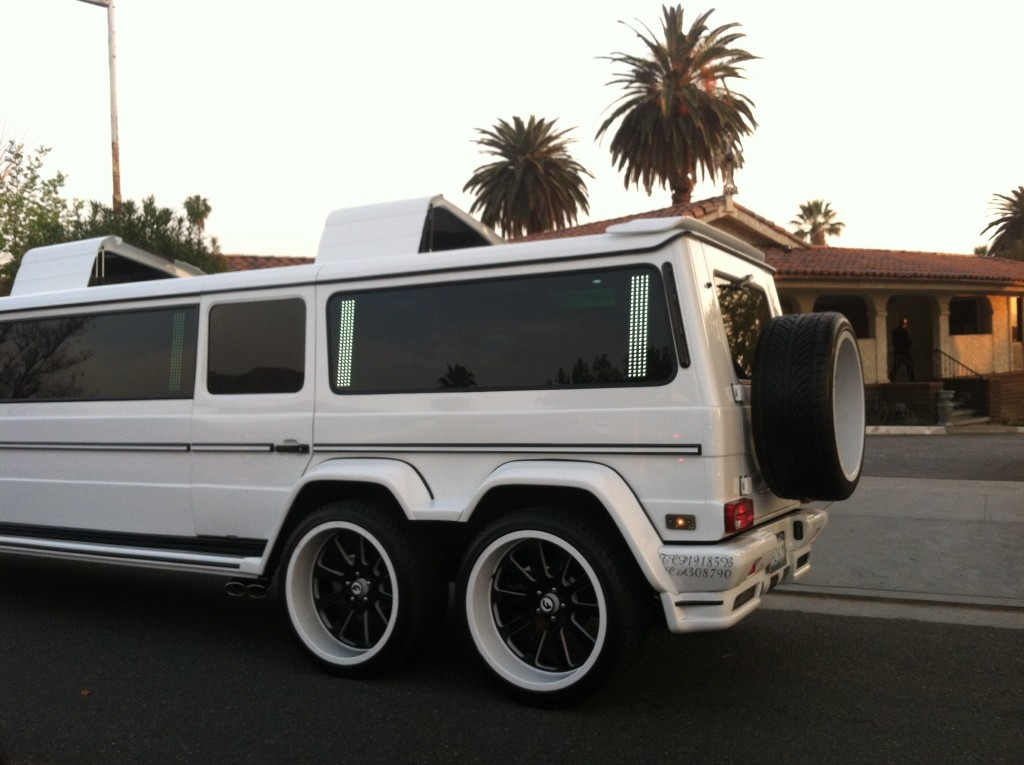 Sacrilegio mercedes clase g convertido en limusina 6x6 for Mercedes benz g wagon 6x6 for sale