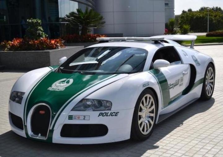 Sí, en la Policía de Dubai también tienen un Bugatti Veyron