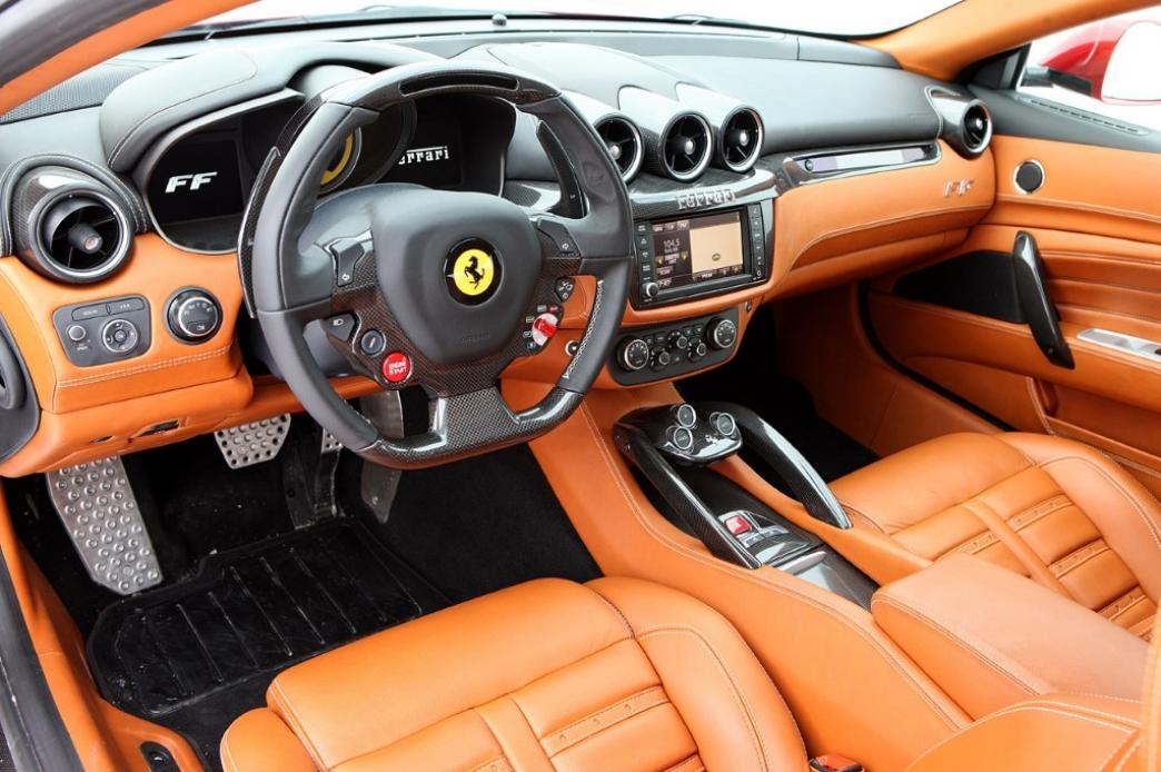 Ferrari F12 Interior >> El Ferrari FF es el primer coche en usar Apple CarPlay - Motor.es