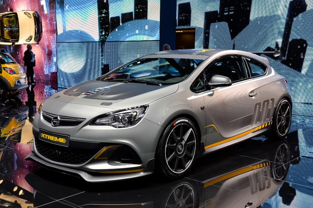 opel astra opc extreme mucha fibra de carbono y m s de 300 cv. Black Bedroom Furniture Sets. Home Design Ideas