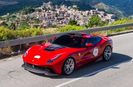 """Ferrari F12 TRS, un """"one-off"""" único y exclusivo de más de 3 millones de euros"""