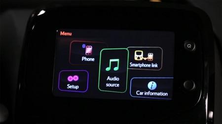 Así es el sistema x-touch del nuevo Toyota Aygo