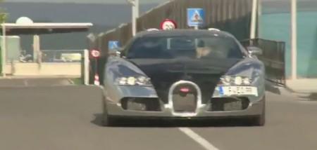 Karim Benzema llega al entrenamiento en su Bugatti Veyron