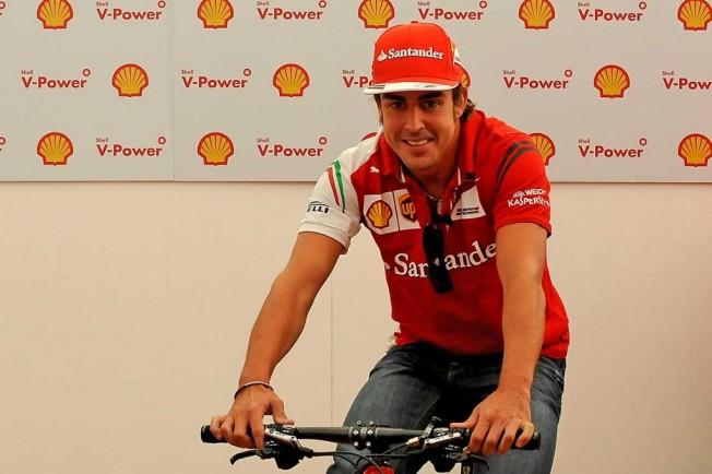 Fernando Alonso se asocia a un grupo inversor árabe para sacar adelante su equipo ciclista
