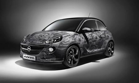 Salen a subasta siete Opel Adam diseñados por Bryan Adams