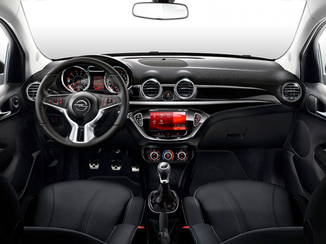salen a subasta siete opel adam dise ados por bryan adams. Black Bedroom Furniture Sets. Home Design Ideas