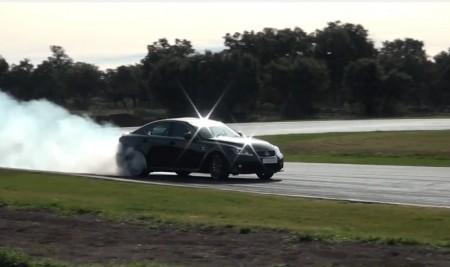 Drift en el Circuito de Ascari con un Lexus IS F