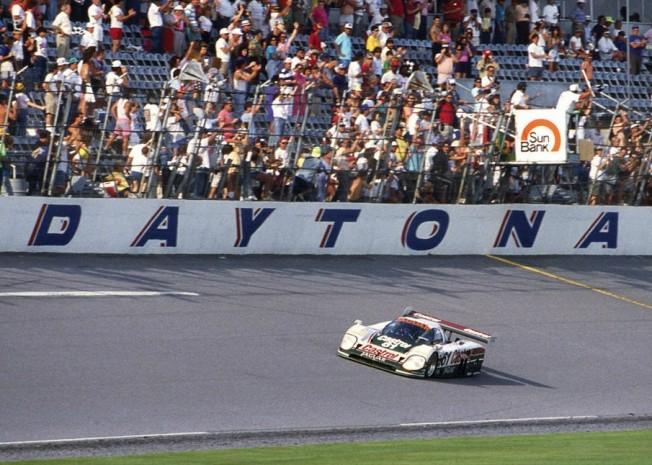 Jaguar XJR-9 vencedor de las 24 Horas de Daytona, a ...