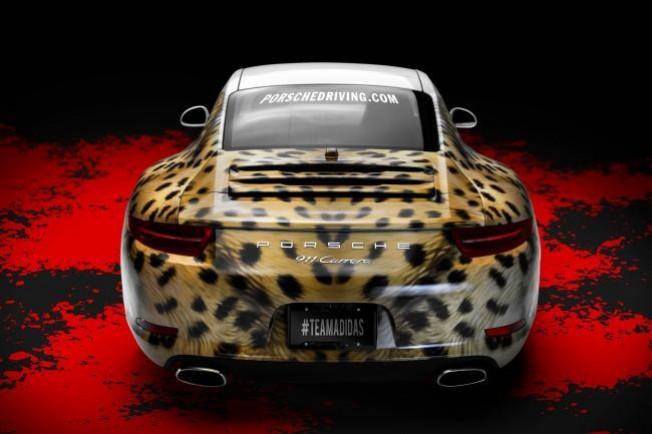 adidas le regala un Porsche 911 a los jugadores de fútbol americano universitarios más rapidos