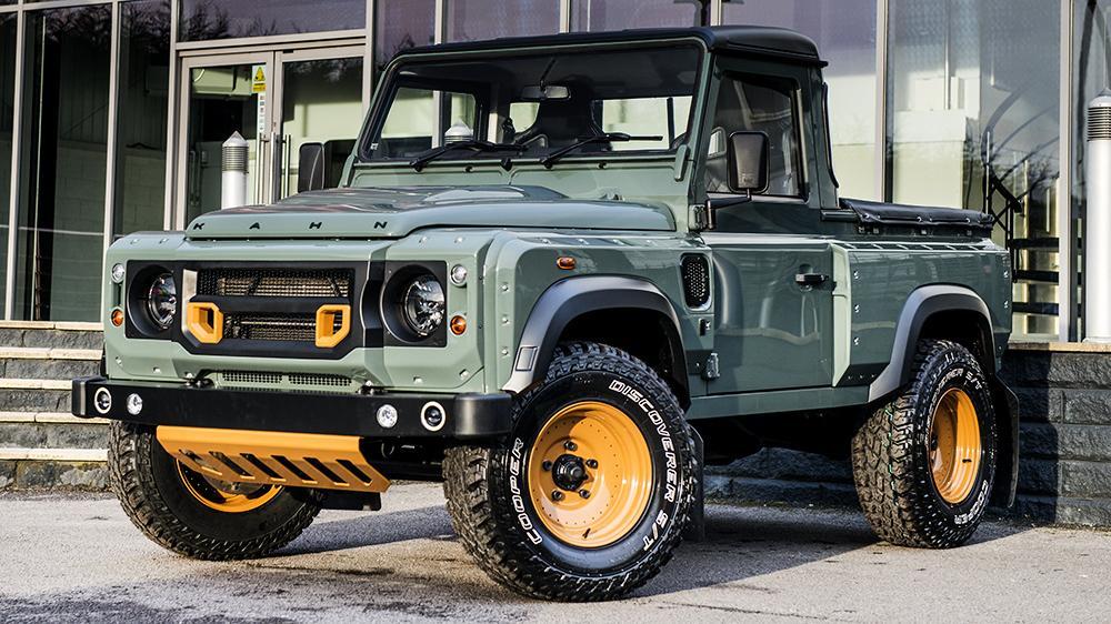 Tuning kahn design se atreve con el land rover defender pick up motor es