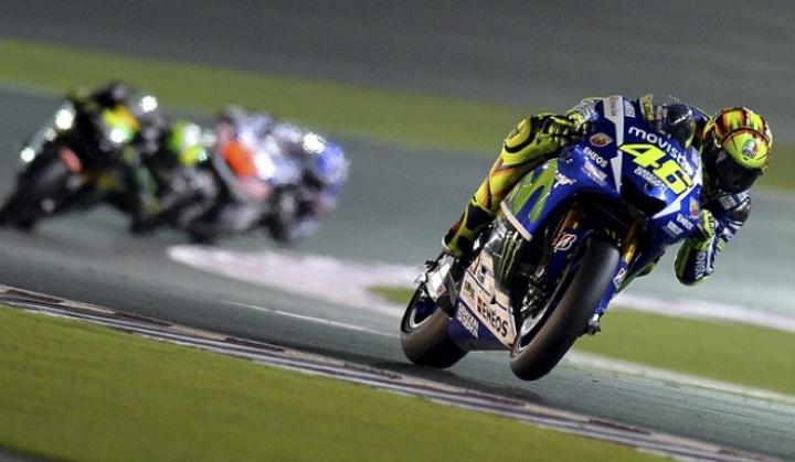 MotoGP: Valentino Rossi remonta y gana el GP de Qatar 2015 - Motor.es