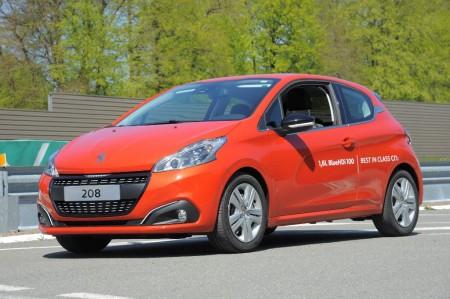 El Peugeot 208 bate el récord de consumo: ¡2.0 litros cada 100 km!
