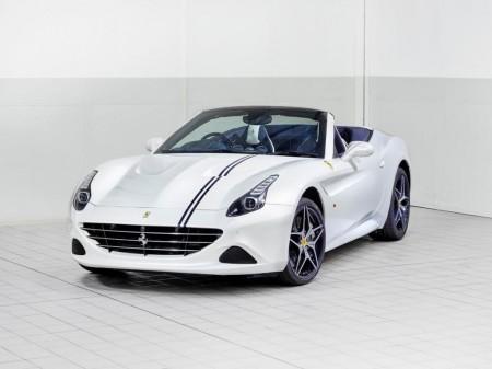 "Blanco y azul para este Ferrari California T único, personalizado por ""Tailor Made"""