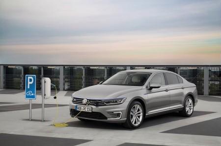 El Passat GTE homologa 1,6 litros de consumo y llegará a España en 2016