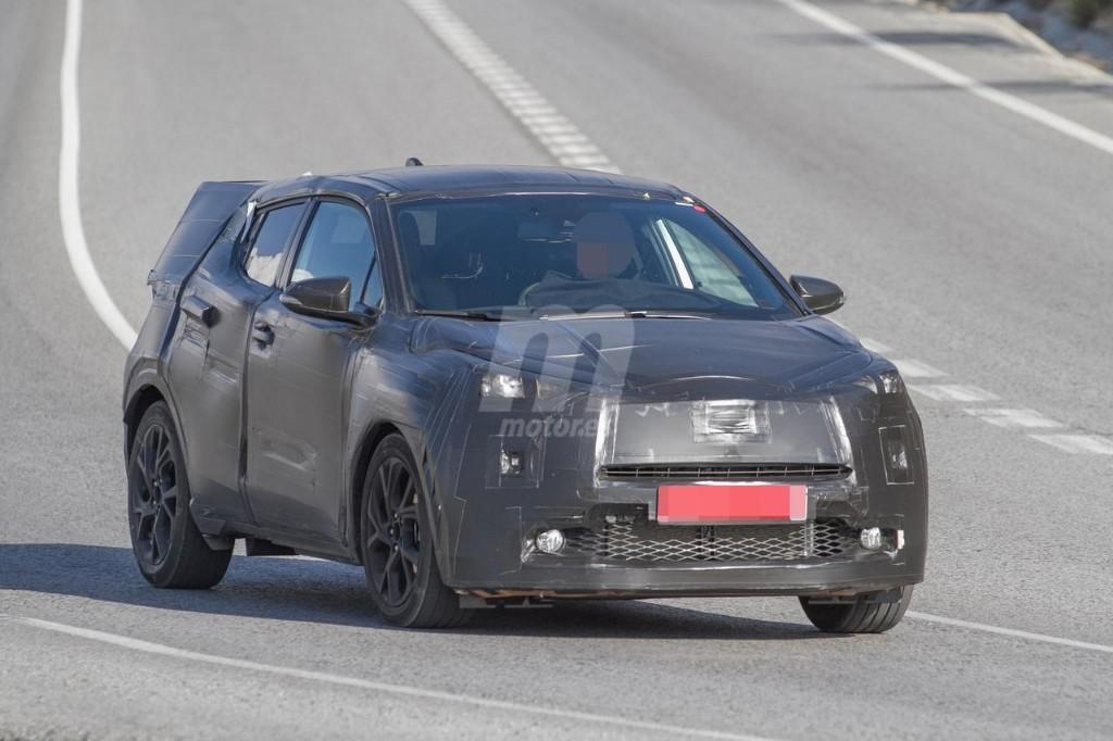 2016 - [Toyota] C-HR Toyota-crossover-anti-juke-201522841_3