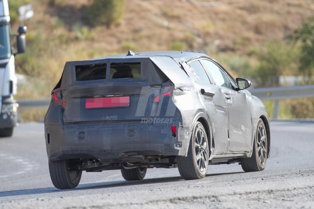 2016 - [Toyota] C-HR Toyota-crossover-anti-juke-201522841_8