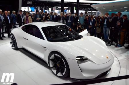 Mission E, el futuro según Porsche damas y caballeros
