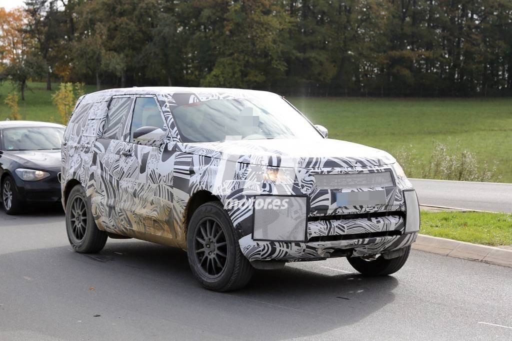 2016 - [Land Rover] Discovery V Land-rover-discovery-2017-201523863_3