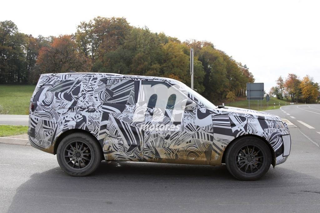 2016 - [Land Rover] Discovery V Land-rover-discovery-2017-201523863_6