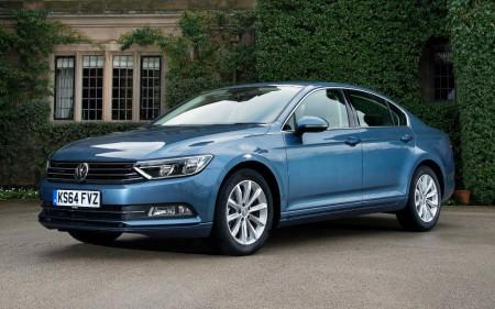 Holanda - Octubre 2015: El Volkswagen Passat da un gran salto hasta el podio