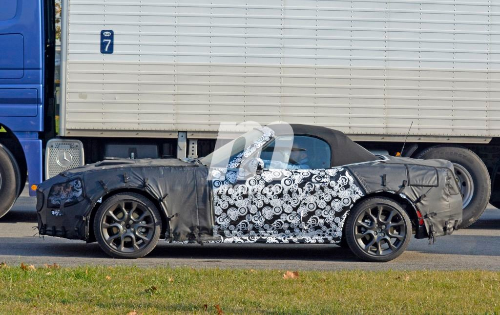 2016 - [Fiat] Fiat 124 Abarth - Page 2 Abarth-124-spider-201524637_3