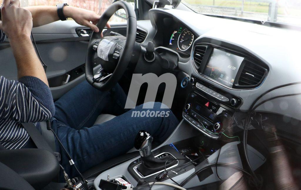 2016 - [Hyundai] Ioniq Hyundai-ioniq-interior-201524623_1