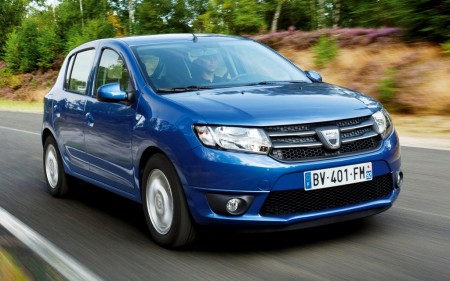 España - Noviembre 2015: Dacia Sandero, nuevo líder