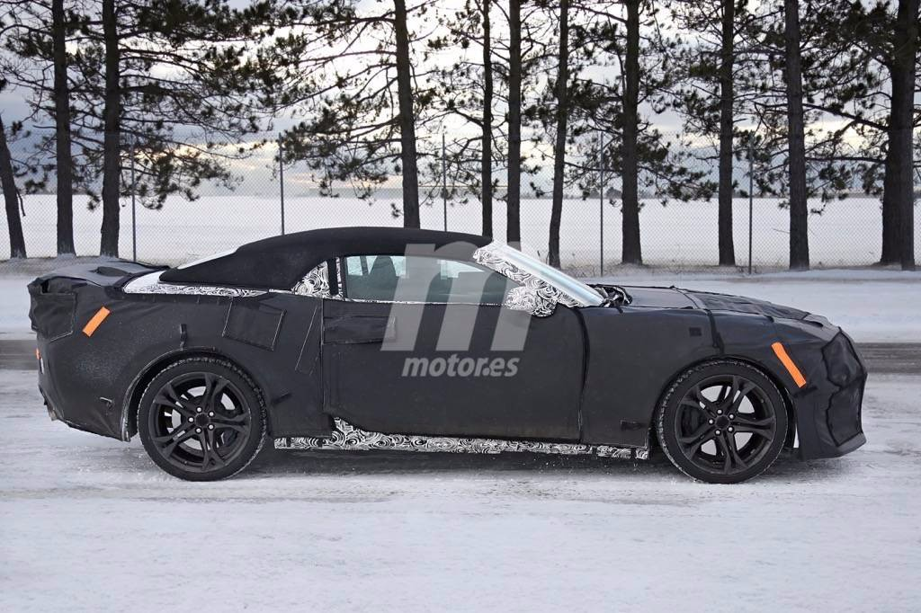 2017 - [Chevrolet] Camaro ZL1 Cabriolet  Chevrolet-camaro-zl1-convertible-2017-201625203_3