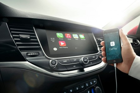 Opel integra Android Auto y Apple CarPlay en sus modelos, comenzando por el Astra