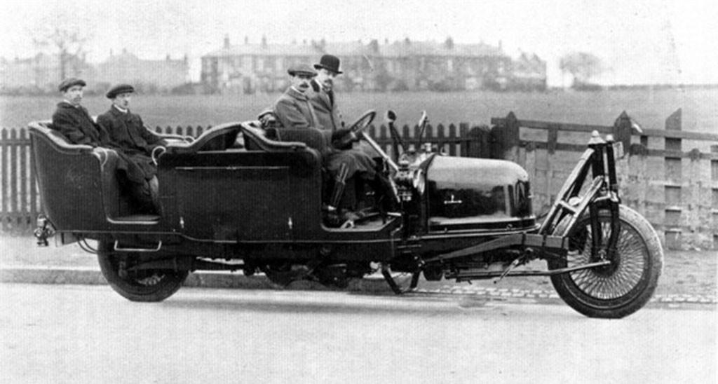 Coches Rarunos: Schilovski Gyrocar, el primer coche con sólo dos ruedas