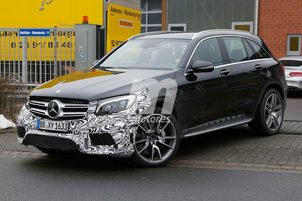 2015 - [Mercedes] GLC (GLK II) [X205] - Page 15 Mercedes-glc-63-amg-201626577_3