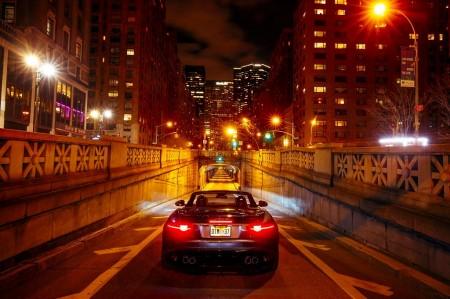 El Jaguar F-Type SVR despierta a medio Manhattan con su espectacular sonido