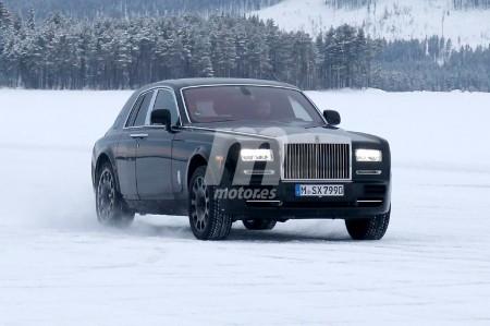 Cazada una mula de pruebas del Rolls-Royce Cullinan, el futuro SUV