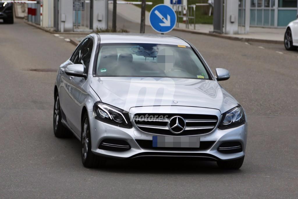 Cazamos al mercedes benz clase c 2017 facelift for Mercedes benz clase c 2017 precio