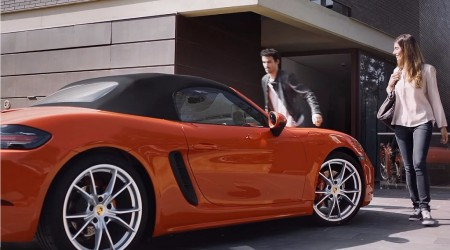 Porsche te muestra que el 718 Bosxter es también práctico