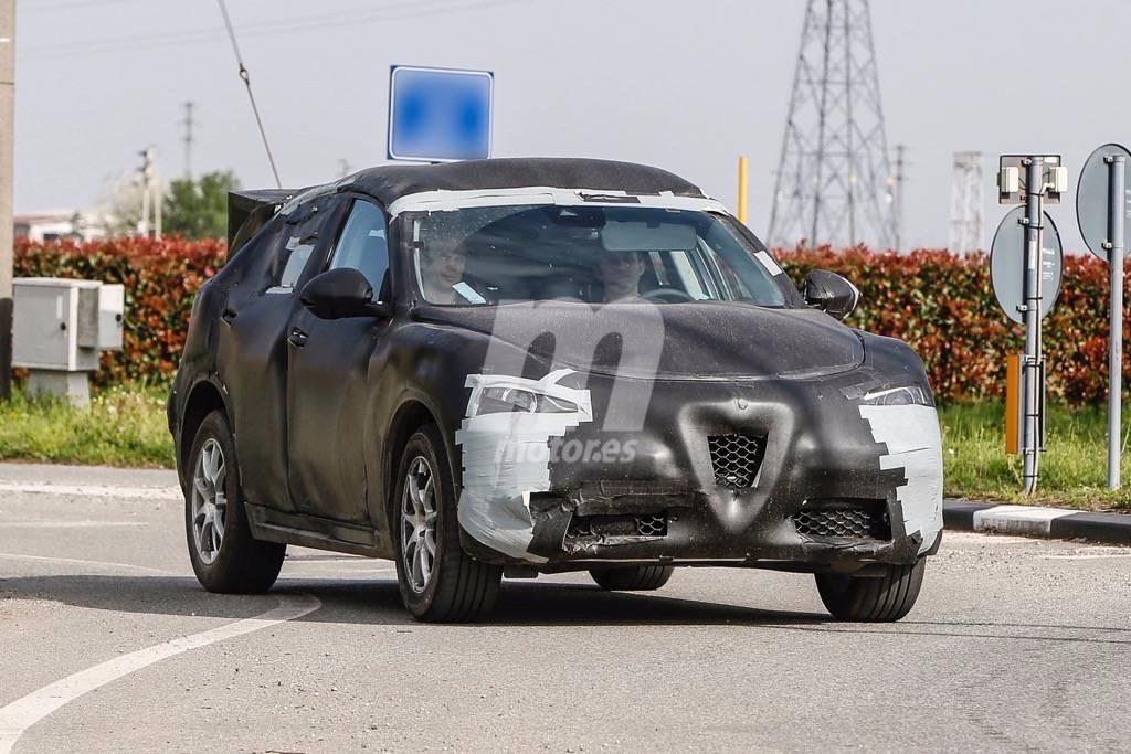 2017 - [Alfa Romeo] Stelvio [Tipo 949] - Page 17 Primeras-fotos-alfa-romeo-stelvio-201627046_1