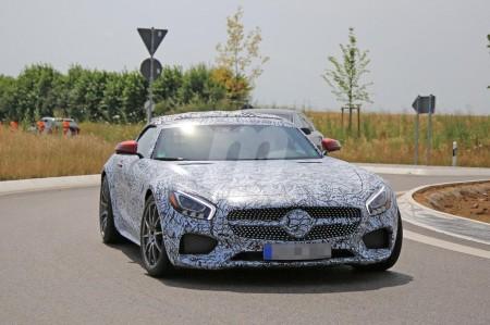 Mercedes-AMG GT Roadster 2017, en camino: fotos espía al detalle