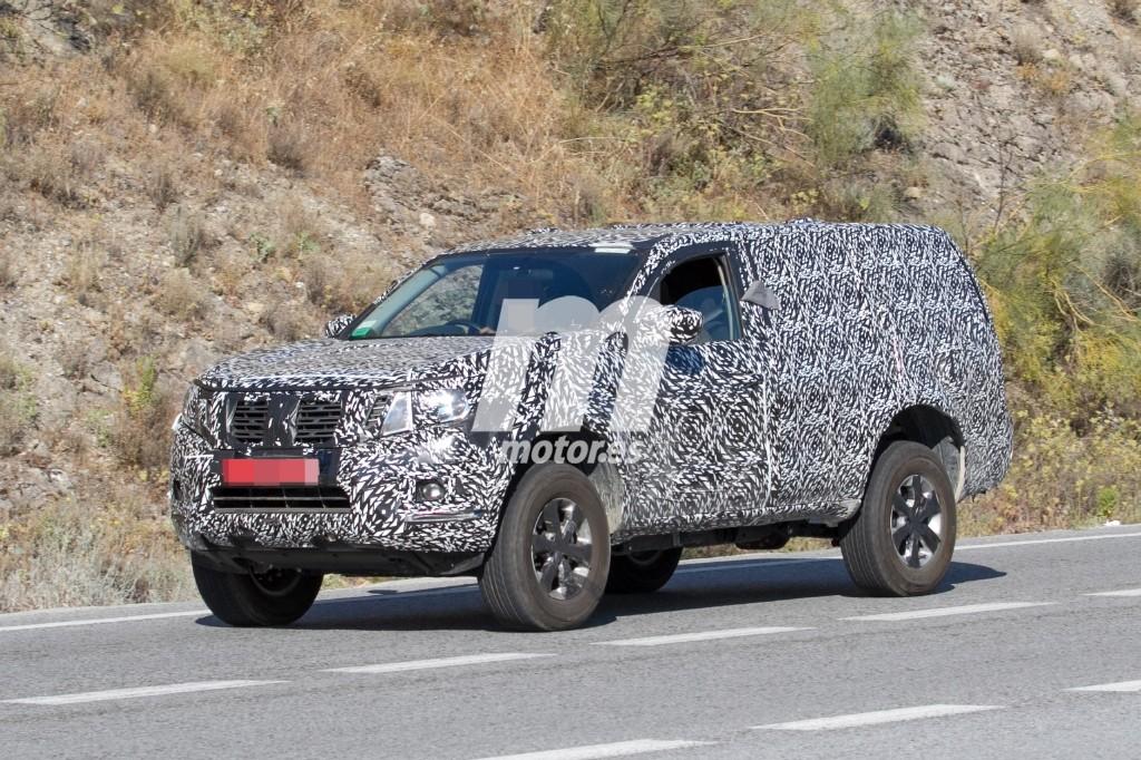 El nuevo Nissan Pathfinder 2018 de pruebas por Europa ...