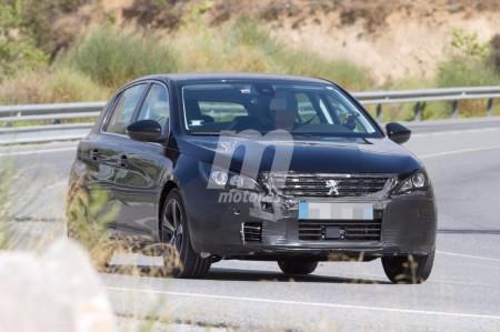 Nuevas imágenes de los próximos Peugeot 308 y 308 SW 2017